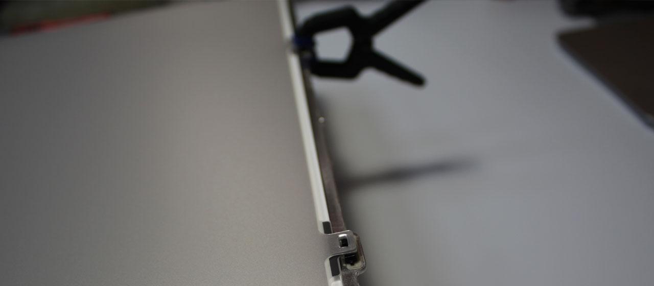 Слои матрицы iMac 27 2012 при разборе необходимо закрепить